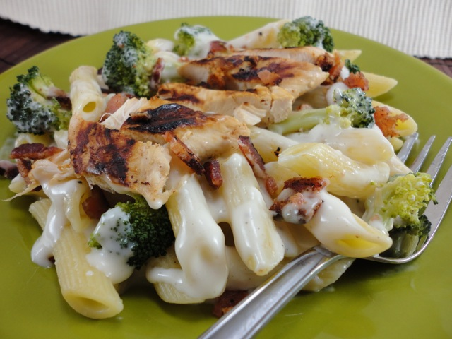 Eat cake for dinner super easy guiltless alfredo sauce how easy does something have to be to be considered easy how about throwing all the ingredients into a blender pureeing until smooth then throwing that forumfinder Images
