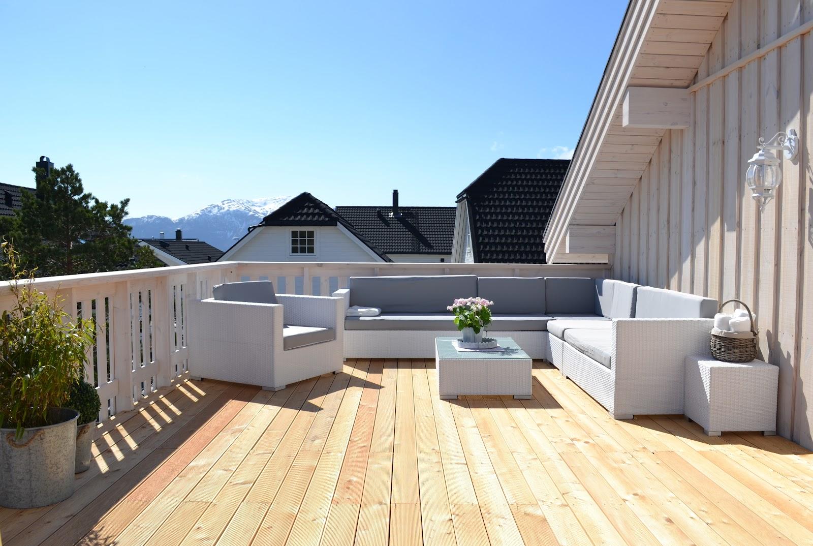 Uteplass I Hagen Med Tak ~ Hjemme Design og M?bler Ideer