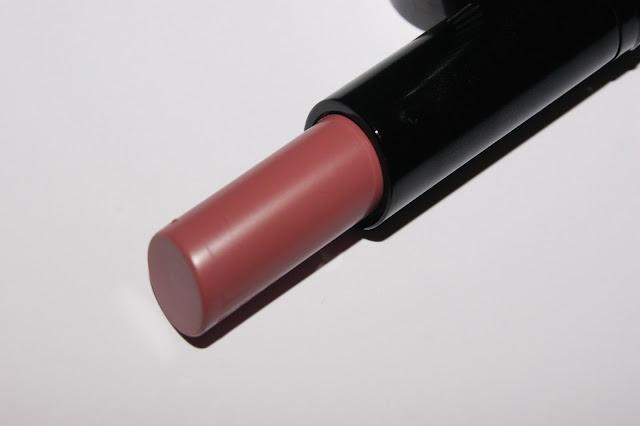 how to use lip defining brush