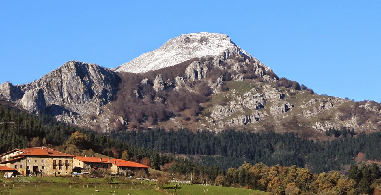 Monte Anboto desde Aldeko Eztia