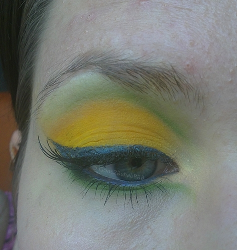 make-up with matte yellow eyeshdow that looks like Sugarpill