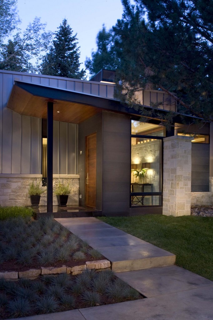 Mid century ranch renovation in aspen by rowland broughton for Mid century modern homes denver