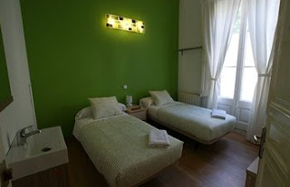 hostal els àngels barcelona habitaciones
