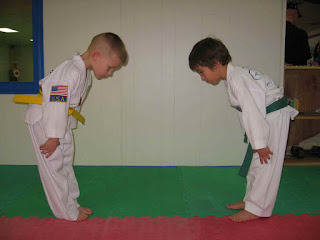 karate anak hormat