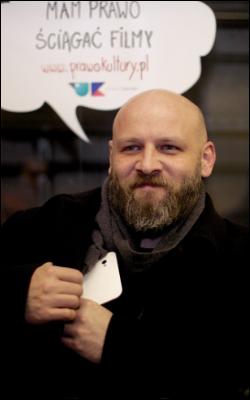 """Jedną z twarzy kampanii ''Prawo Kultury'' jest prawnik Piotr """"VaGla"""" Waglowski."""