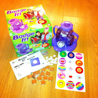 Bandai Badge It! Kit Contents: Badge Maker, Badge tops, badge bottoms. images, template and  saftey pins