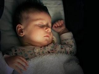 Tidur malam matikan lampu - ilustrasi