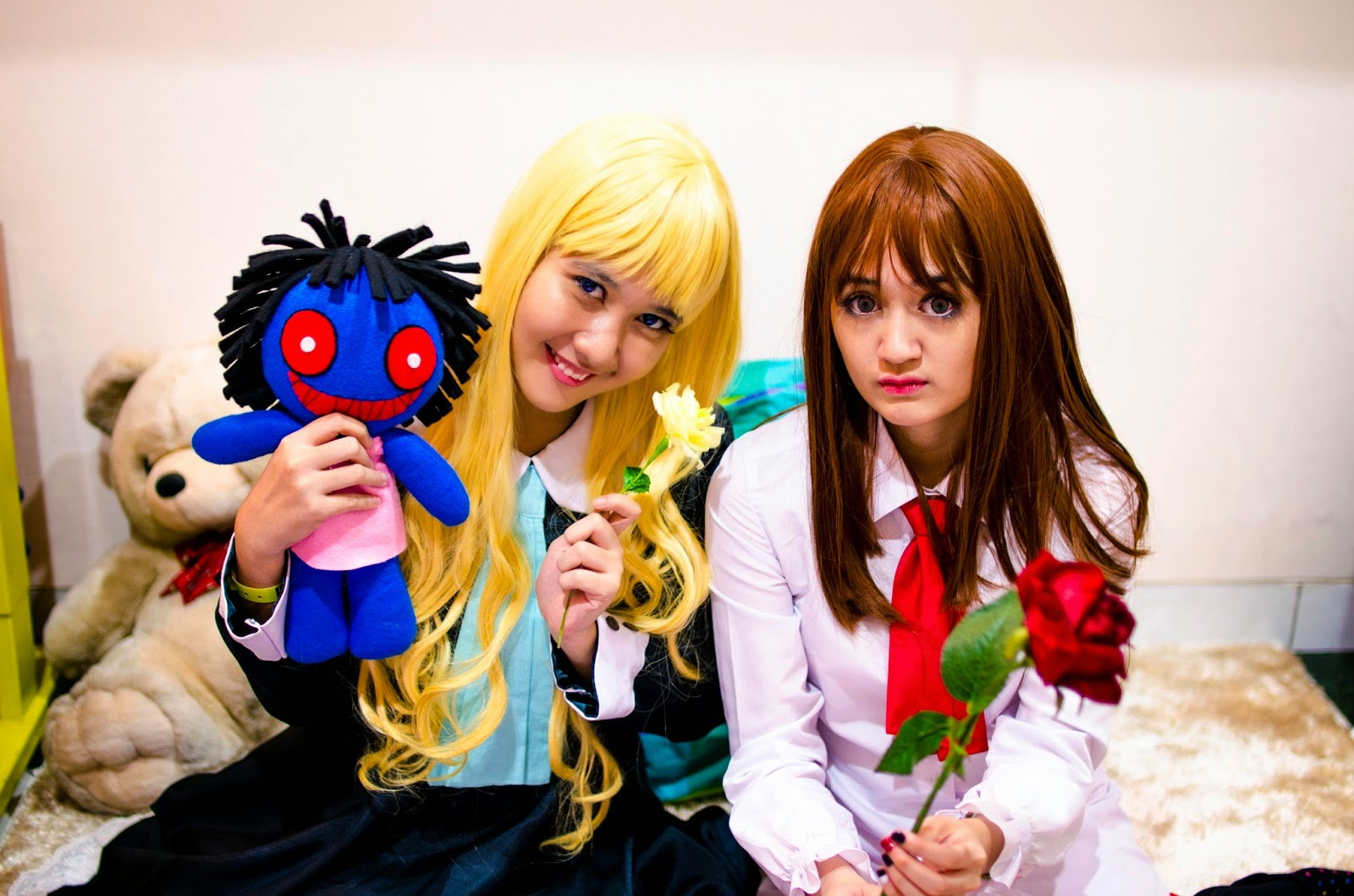 Ib and Mary cosplay