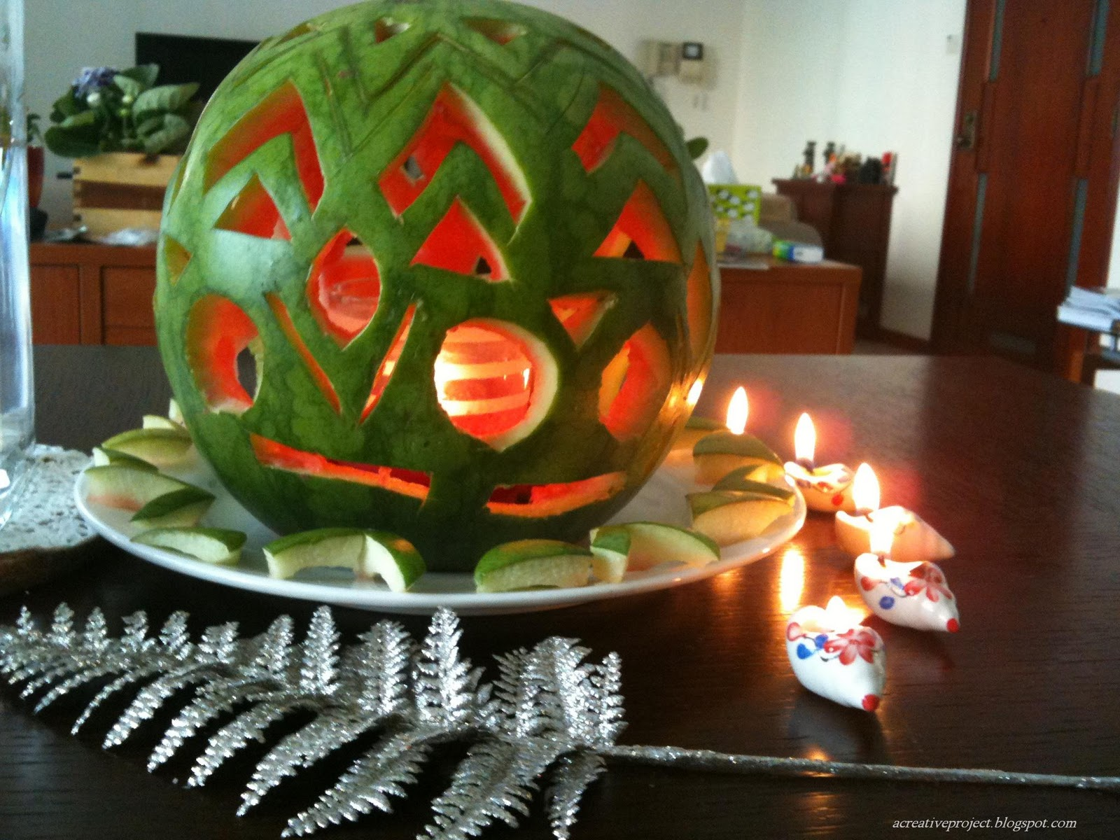 Diwali decoration ideas table decoration diwali table for Home decorations ideas for diwali