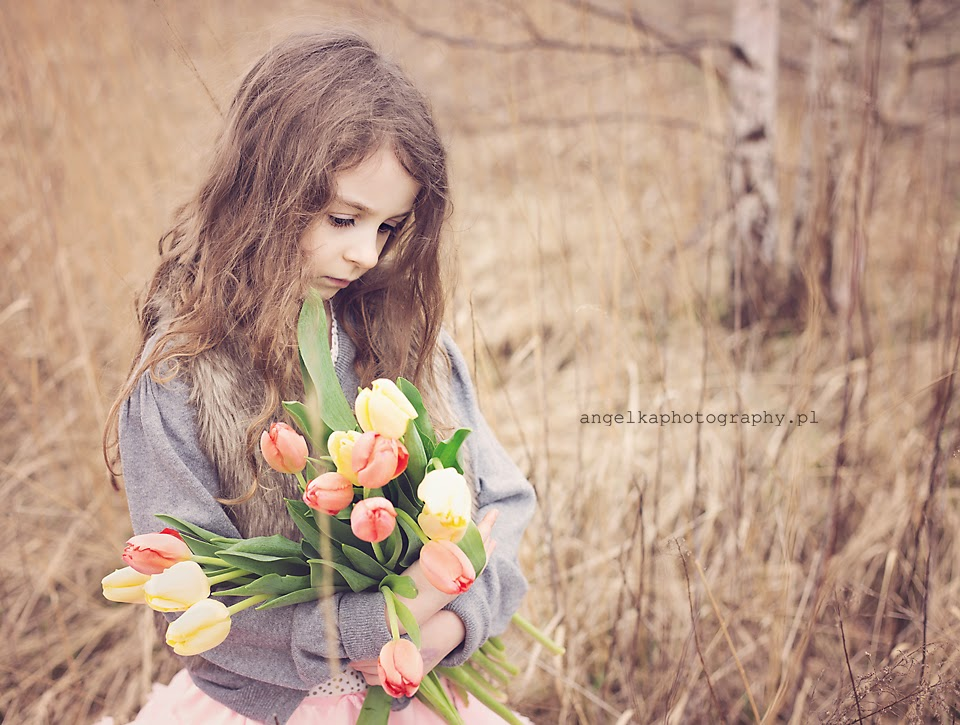 wiosna ach to ty, wiosennie, tulipany, sesja wiosenna warszawa, sesja plenerowa warszawa, plener warszawa, plener dla dziecka warszawa, sesja plenerowa dla dziecka warszawa