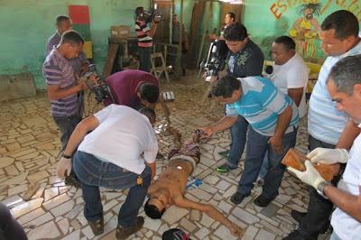 Homem é assassinado no centro de Coroatá (foto: Jefferson Bruno)