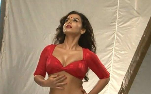 Vidya Balan Hot Images in Dirty Picture
