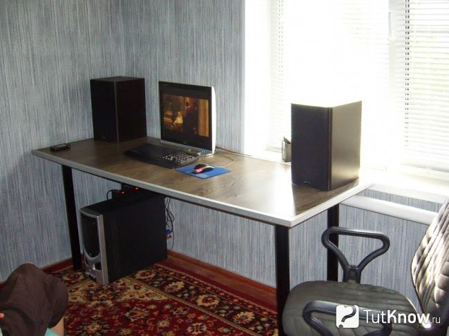 Собираем компьютерный стол своими руками