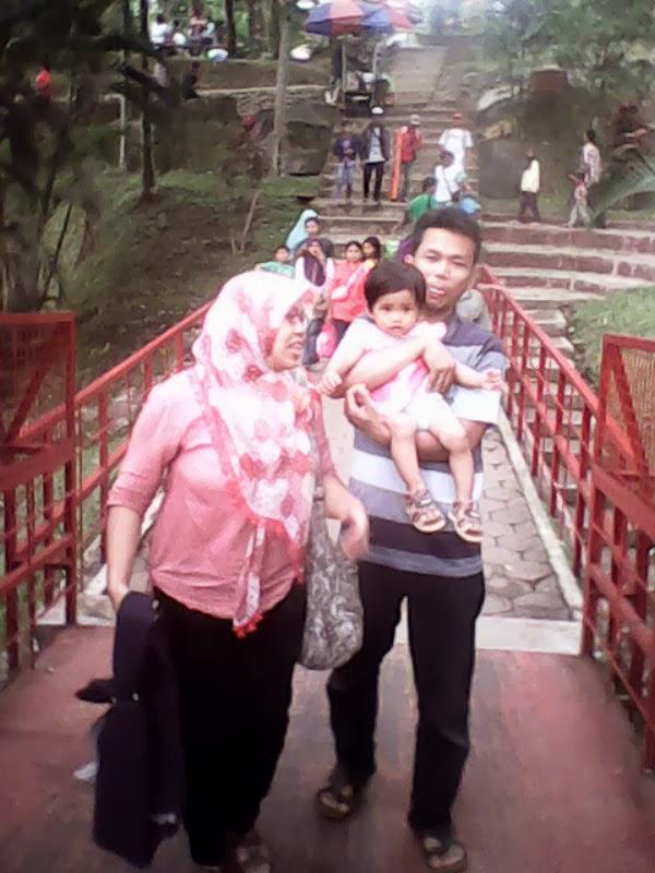 Dek Disa Liburan ke Taman Kyai Langgeng Magelang