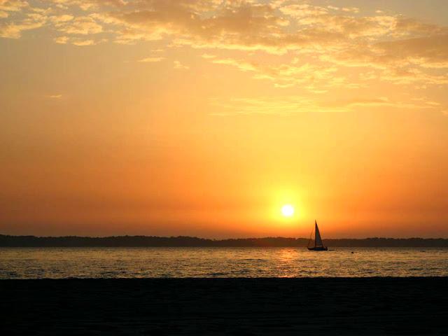 Didier goux habite ici juillet 2011 - Le soleil se couche a quel heure ...