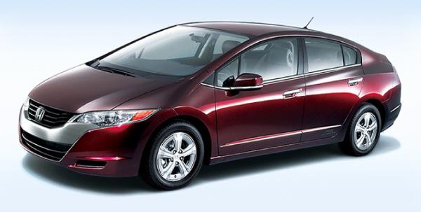 Honda FCX Clarity - automóvel movido a célula de combustível que converte hidrogênio em eletricidade, o que resulta na emissão apenas de vapor d'água