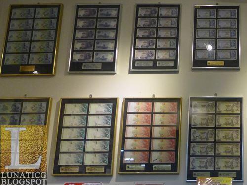Malaysia banknotes frames