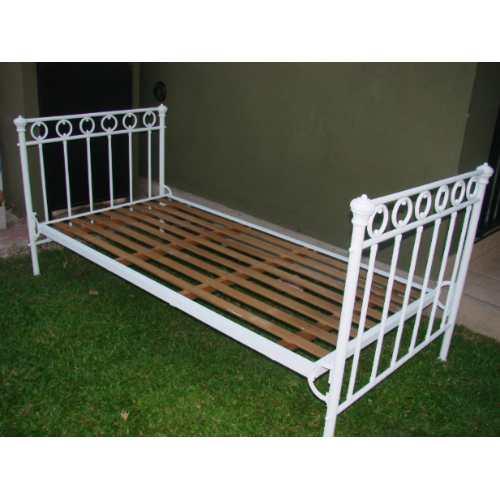 Reciclado y restauracion de muebles cama de hierro antigua - Camas antiguas de hierro ...