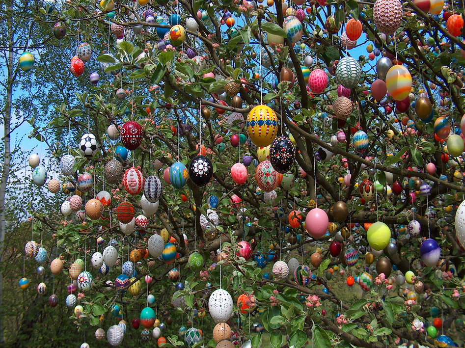 Randomnies easter tree - Easter egg tree decorations ...