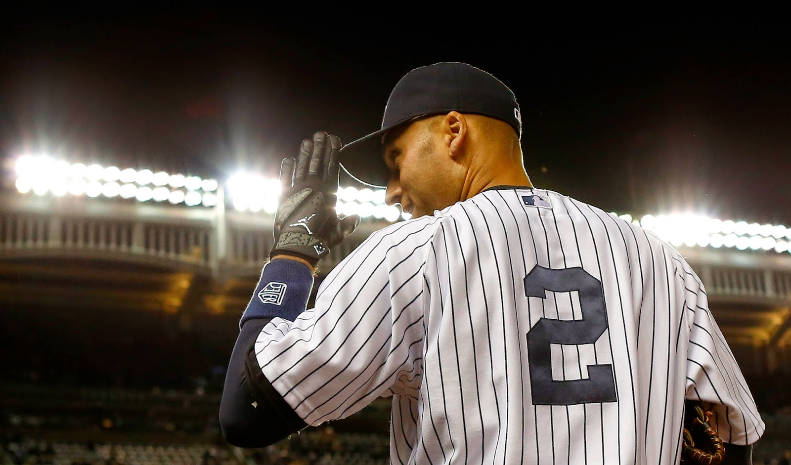 Top Selling Jersey in baseball Goes to Derek Jeter's No. 2, Derek Jeter farewell, Derek Jeter last game