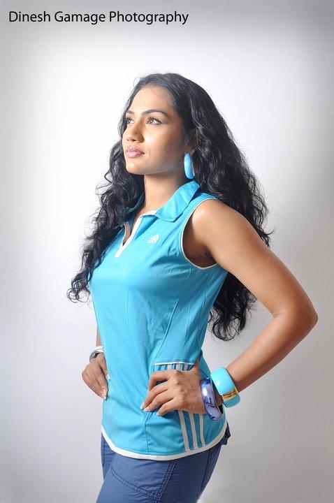 Chathurika Peiris -Sexy Tight Blue Jeans Fashions