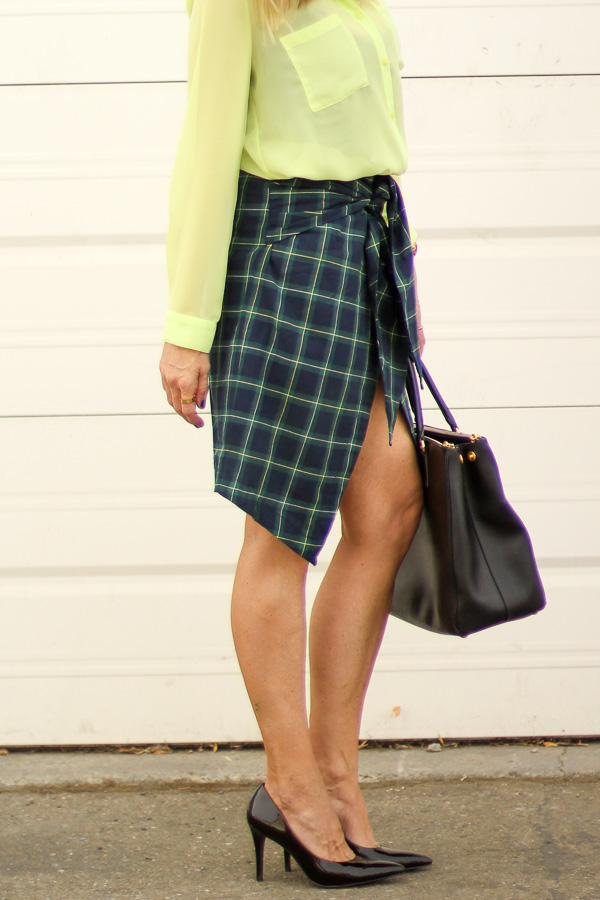 green plaid skirt fall style