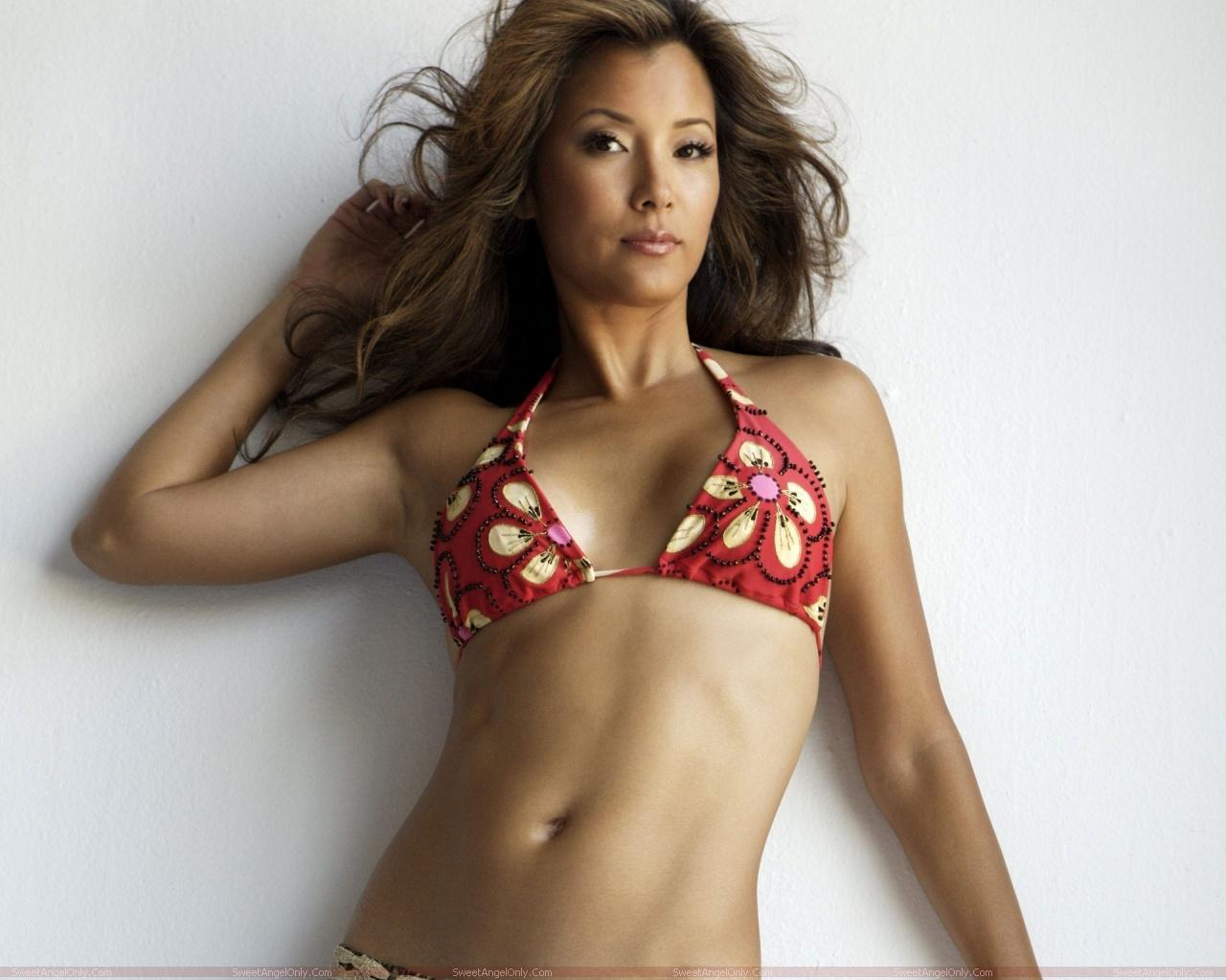 Unseen kelly hu hot wallpapers 521 entertainment world for Hot wallpapers world