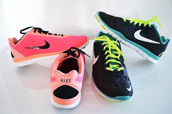 Nike Schuhe neon pink orange schwarz gelb türkis Damen