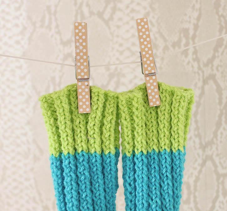 Gina Michele: Baby Legwarmers [knitting pattern]