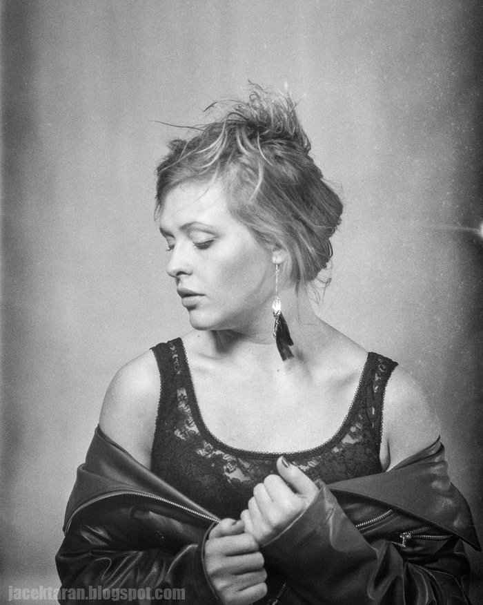 portret, fotografia analogowa, fotografia klasyczna, czarno-biale, sredni format, fotograf krakow