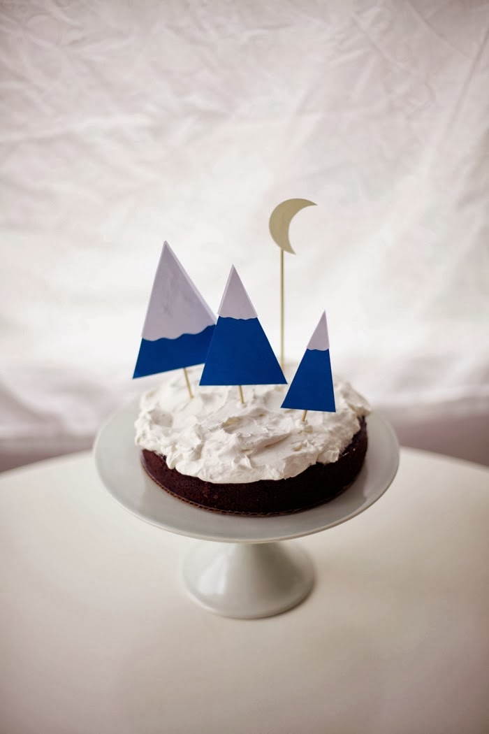Wintery Cake Fun: Mountains and Moon Cake Toppers | Poppytalk