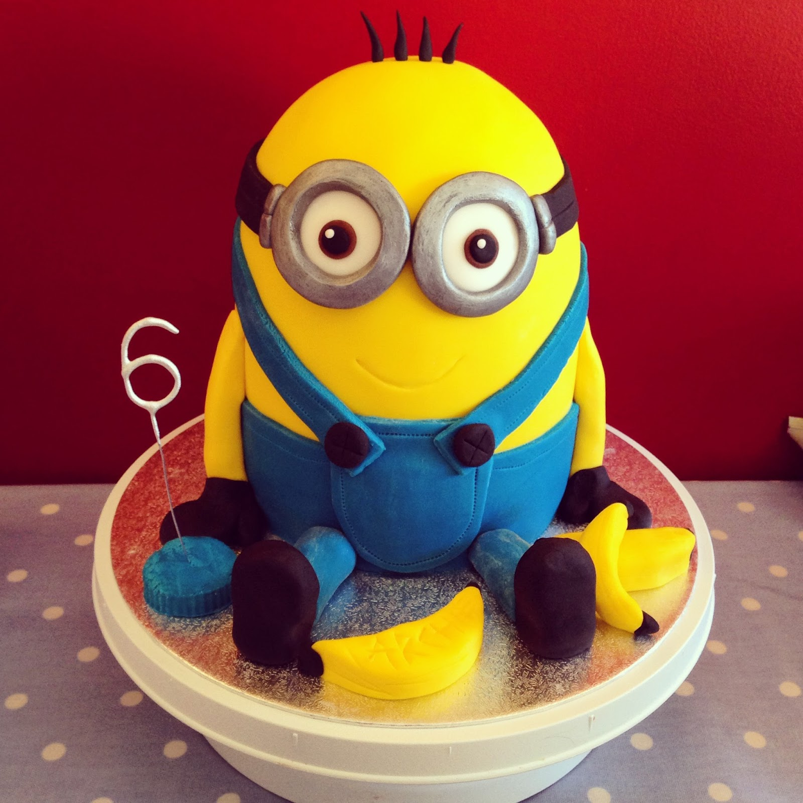 Sugar rushed minion cake tutorial minion cake tutorial baditri Image collections