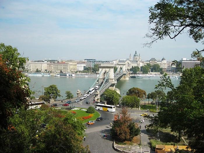 Budapest view bridge rotonde brug Boedapest