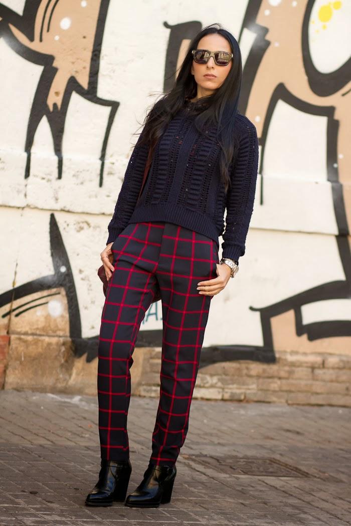 Blog de moda Valencia Look con pantalones de cuadros y jersey de punto calado