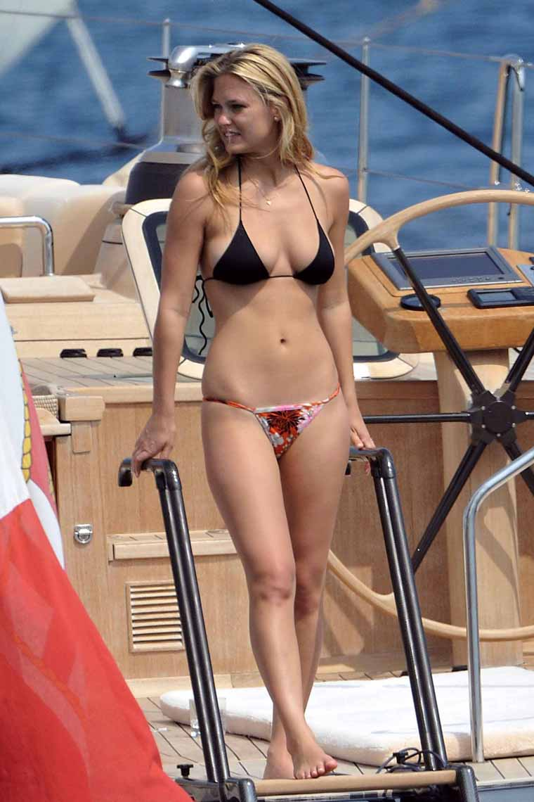 Bar Refaeli Bikini Bodies  Pic 23 of 35