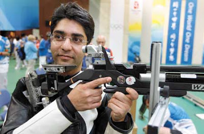 Abhinave Bindra-Indian ari rifle shooter in action