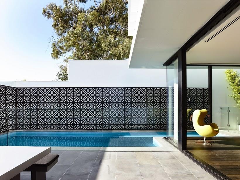 Qual a melhor cor para pintar os muros de casa: 3 tipos de