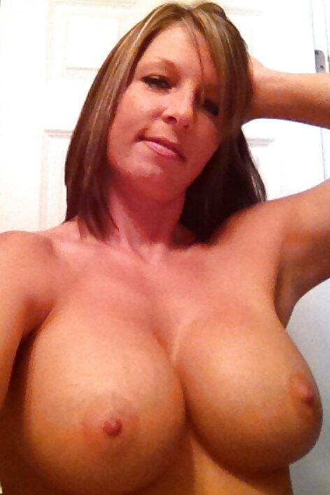 Mature big saggy tits handjob