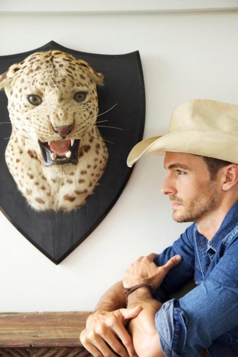 Nick Steele wearnig cowboy hat