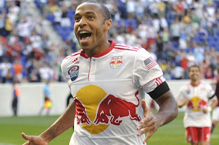 Thierry Henry regresa a la delantera del Arsenal