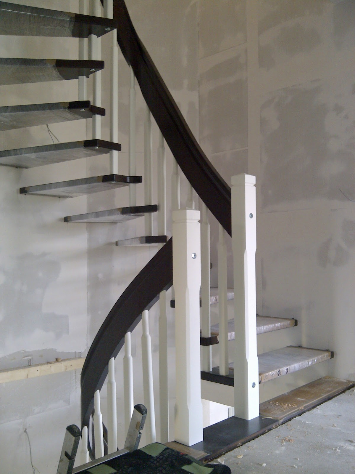 unser haus in waltrop tag 149 die treppe. Black Bedroom Furniture Sets. Home Design Ideas