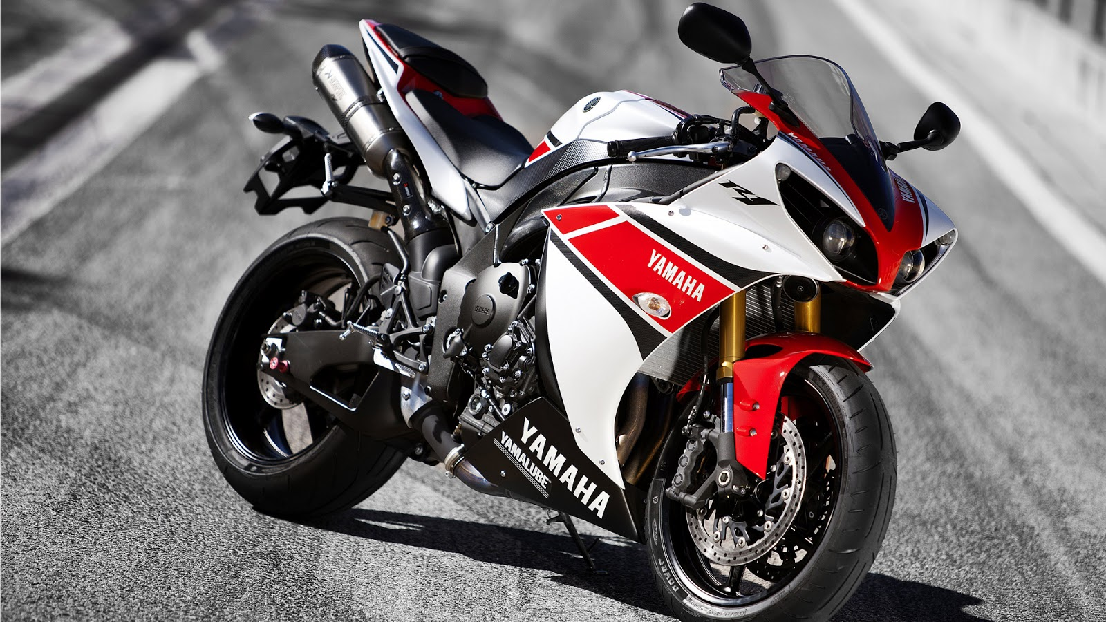 Yamaha R1 Hd Wallpapers High Definition Free Background
