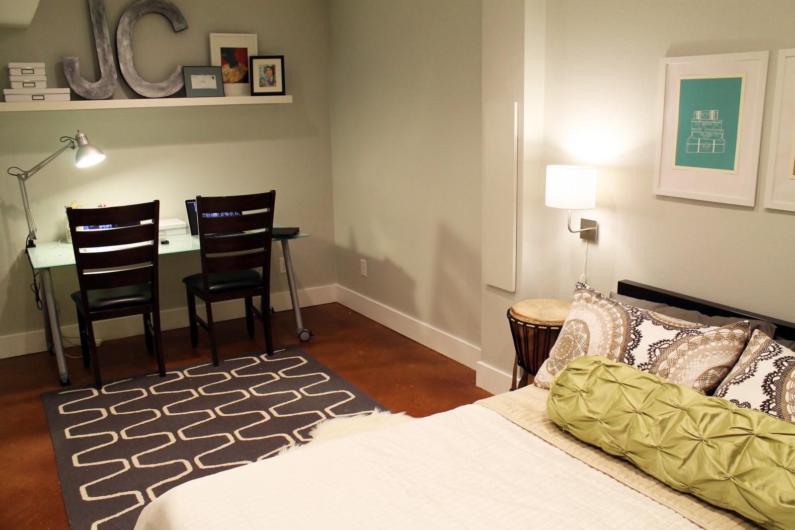 Small basement ideas inviting home design for Basement bedroom ideas no windows