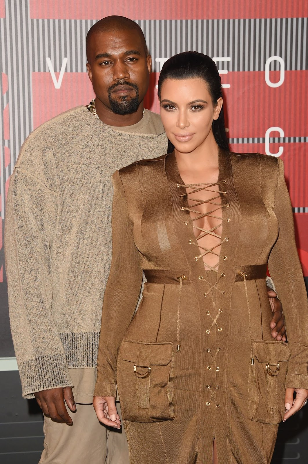 Kim Kardashian in neutral balmain gown for 32nd MTV awards 2015