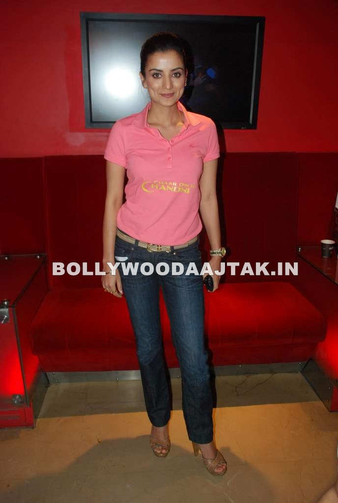 Kulraj Randhawa in Pink Top blue Jeans - Kulraj Randhawa at Chaar Din Ki Chandni special screening
