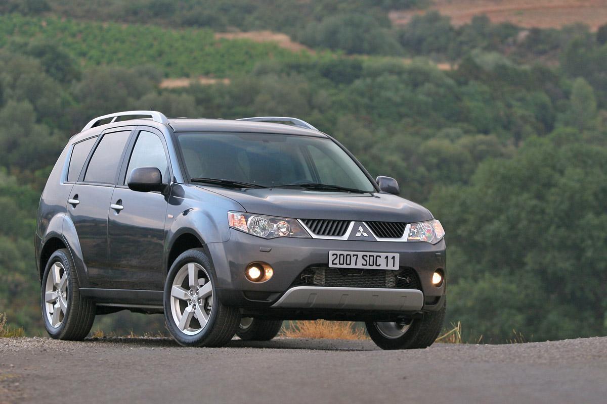 Tornano in officina 108 vetture Mitsubishi Outlander prodotte dal mese -3.bp.blogspot.com