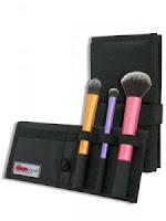 Разноцветные кисти для макияжа