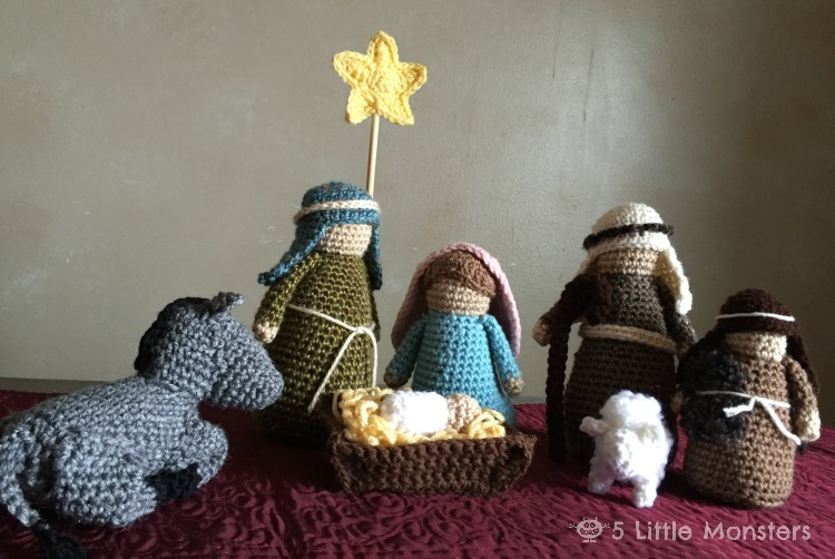 Free Crochet Patterns Nativity Scene : 5 Little Monsters: Crocheted Nativity Set