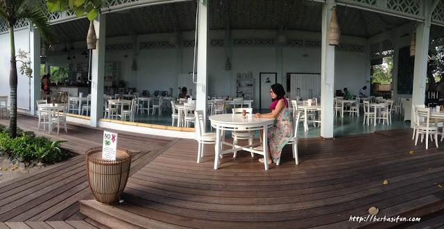 laut biru bar restaurant