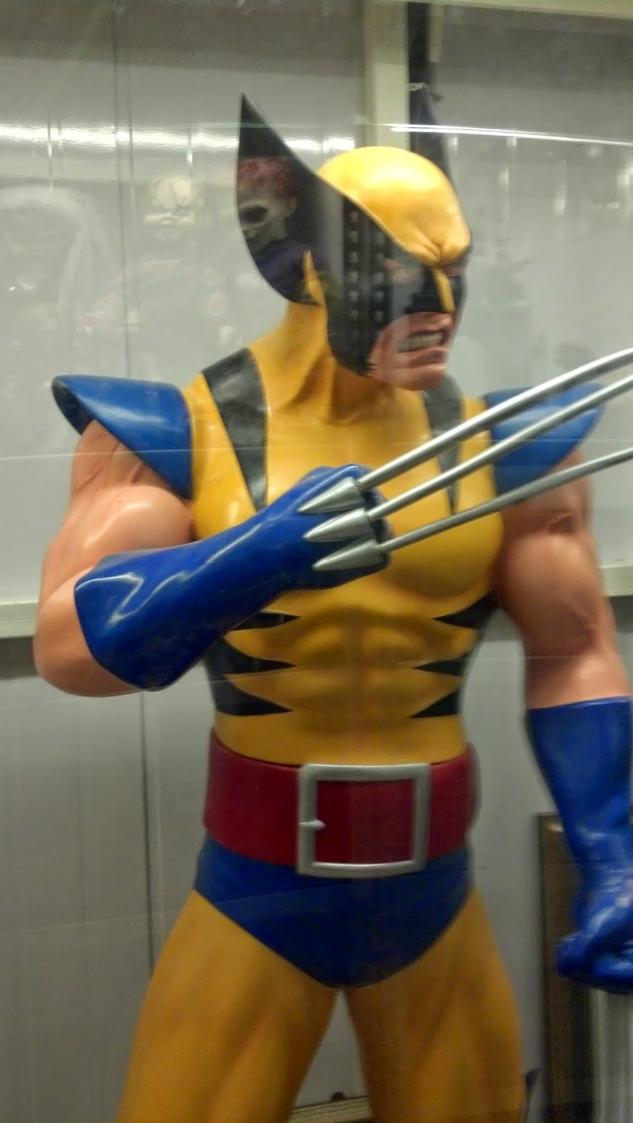 wolverine in costum